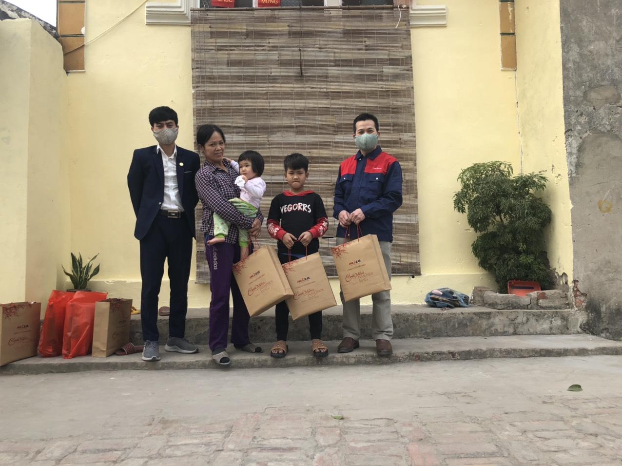 Trao quà Tết Tân Sửu 2021