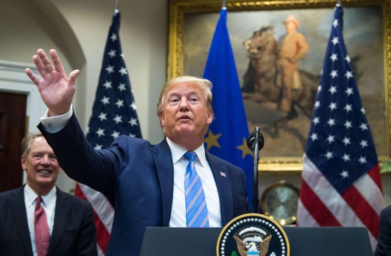 Trung Quốc đáp trả sẽ chống lại mối đe dọa thuế quan của Tổng thống Trump khi rạn nứt thương mại mở rộng